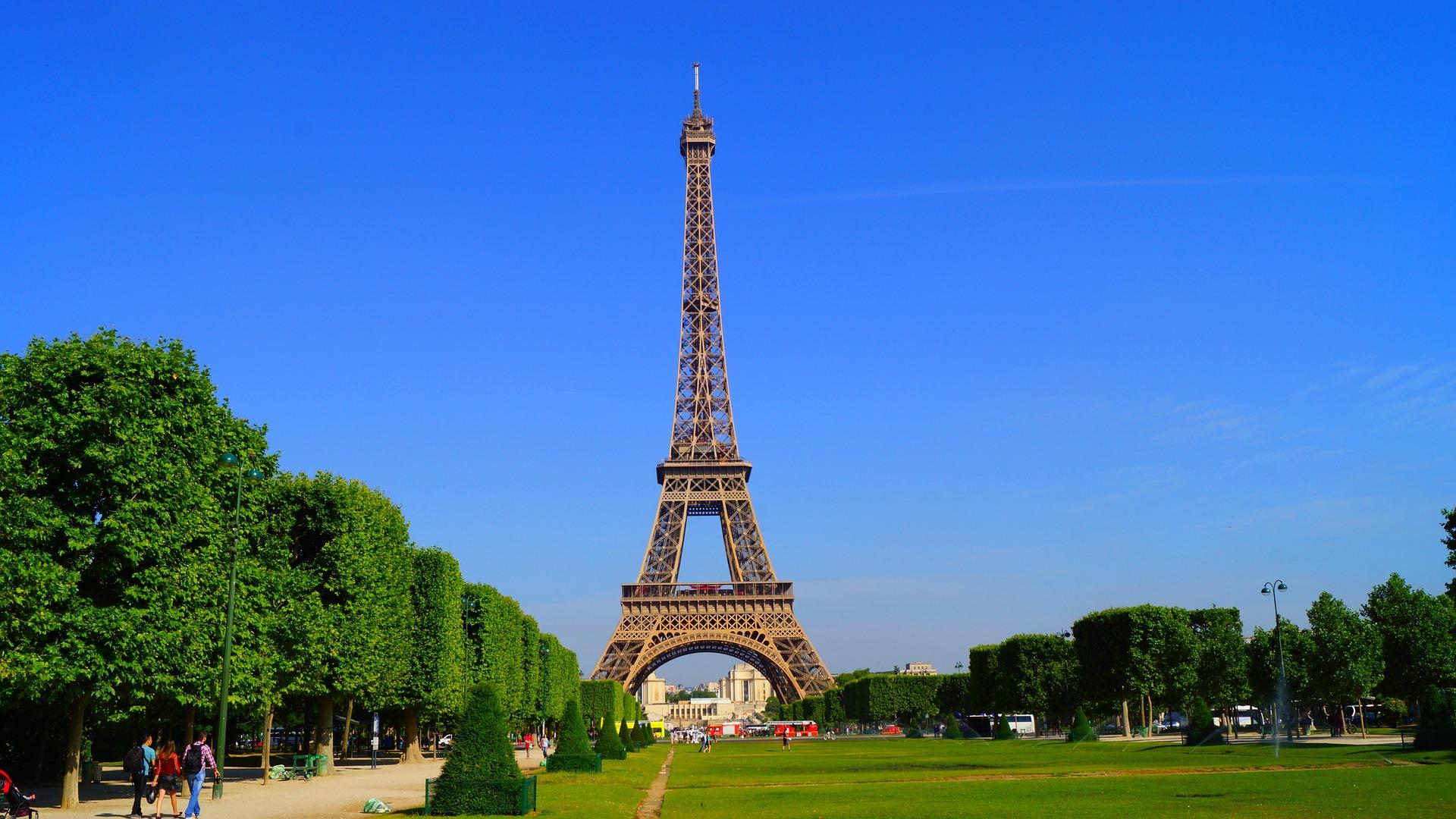 er det sikkert at rejse til paris